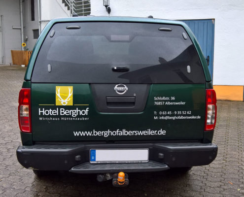 Fahrzeugbeschriftung Nissan Navaro Hotel Berghof