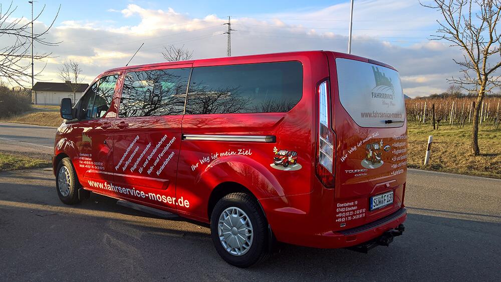 Fahrzeugbeschriftung Ford Tourneo Fahrservice Moser